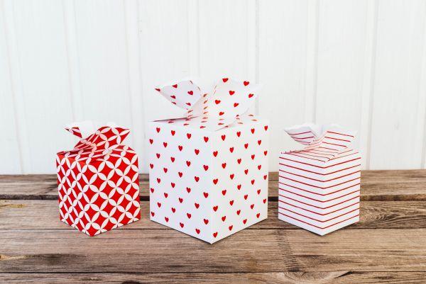 Geschenkschachtel-Set Herzen Rot